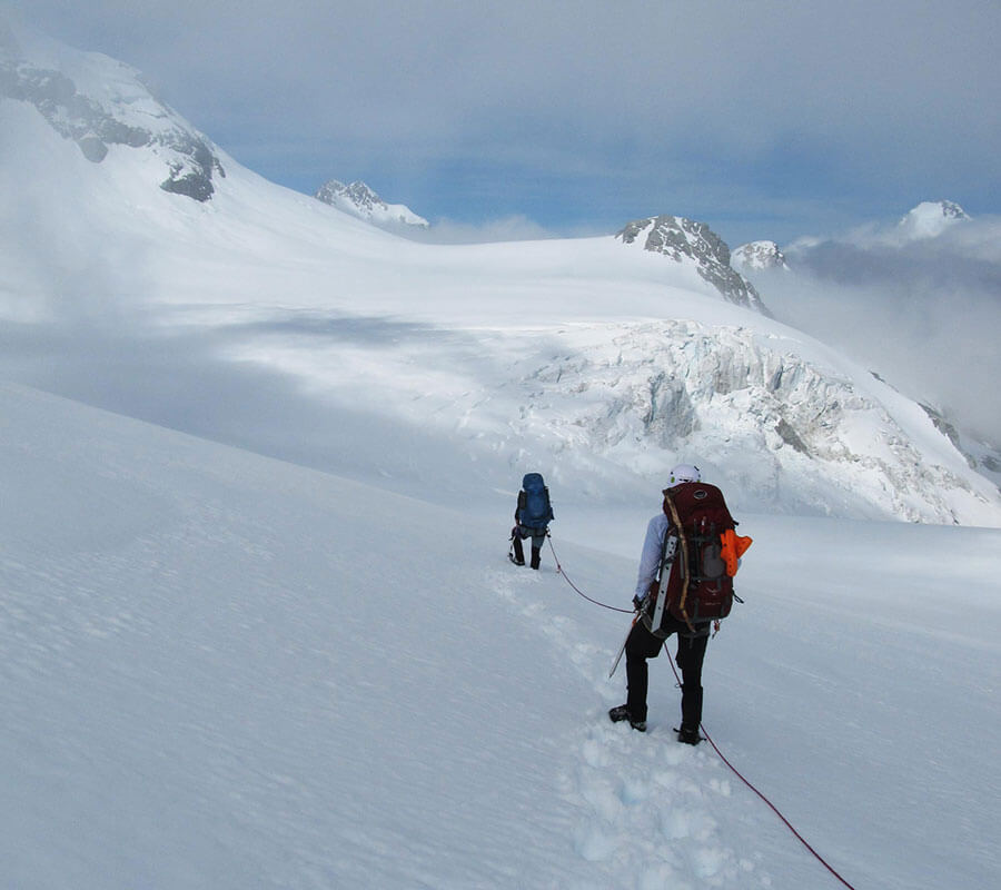 Traversing around the Abel Icefall towards Angel Col.