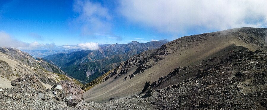 The traverse to Gables End (1592m), the team in the right hand side of the photo.